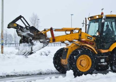 snow plowing loader 500px
